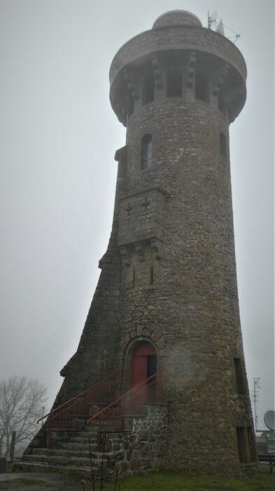 Toren in de vallei van de Kleine Creuse